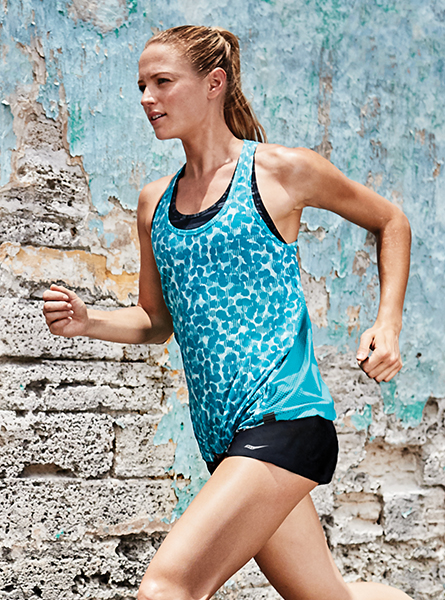 Women's Lightweight Apparel