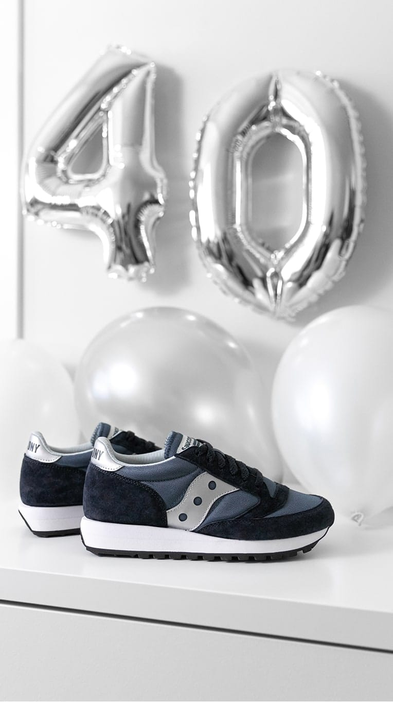 Suacony Jazz shoes with ballons and the number 40.